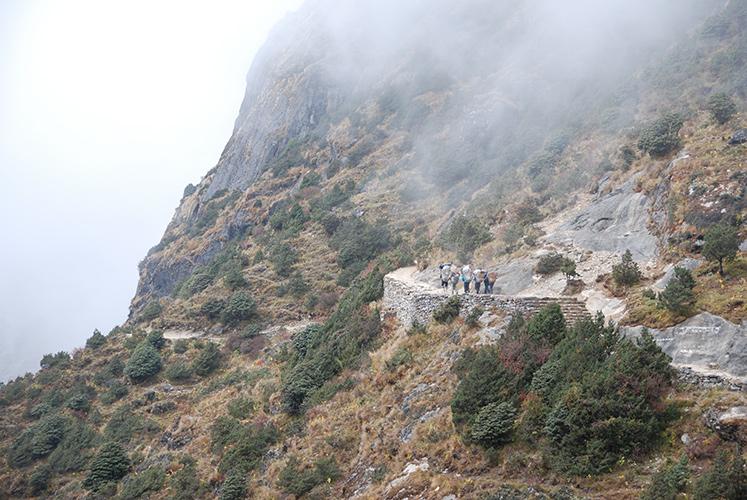 Hiking the high trail to Thame