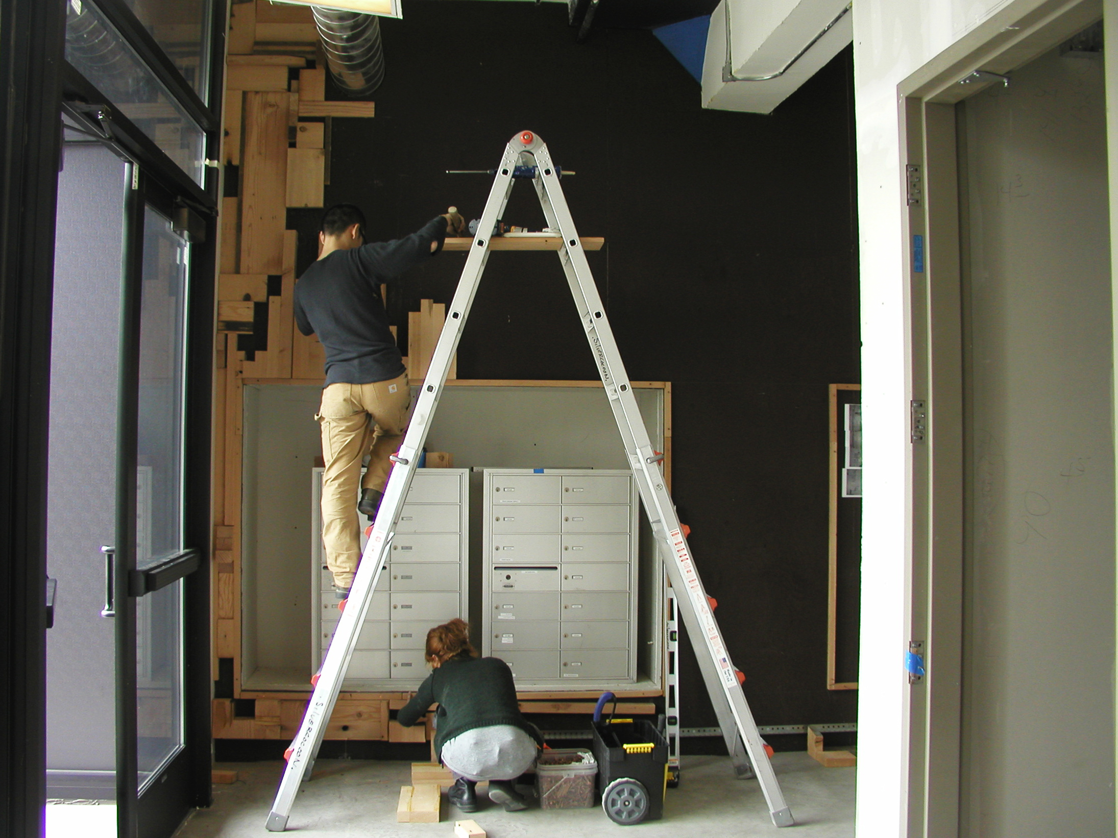wall installation 6-7may07 017.jpg