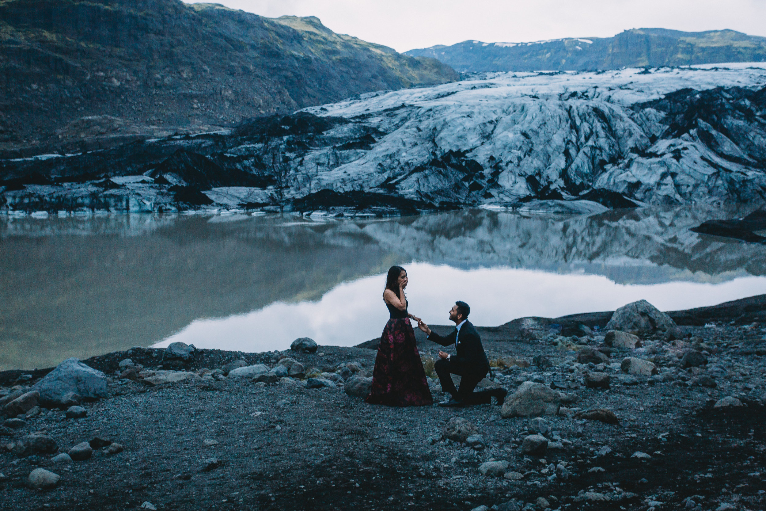Iceland elopement photographer | Iceland south coast engagement photos | Iceland black sand beach wedding pictures