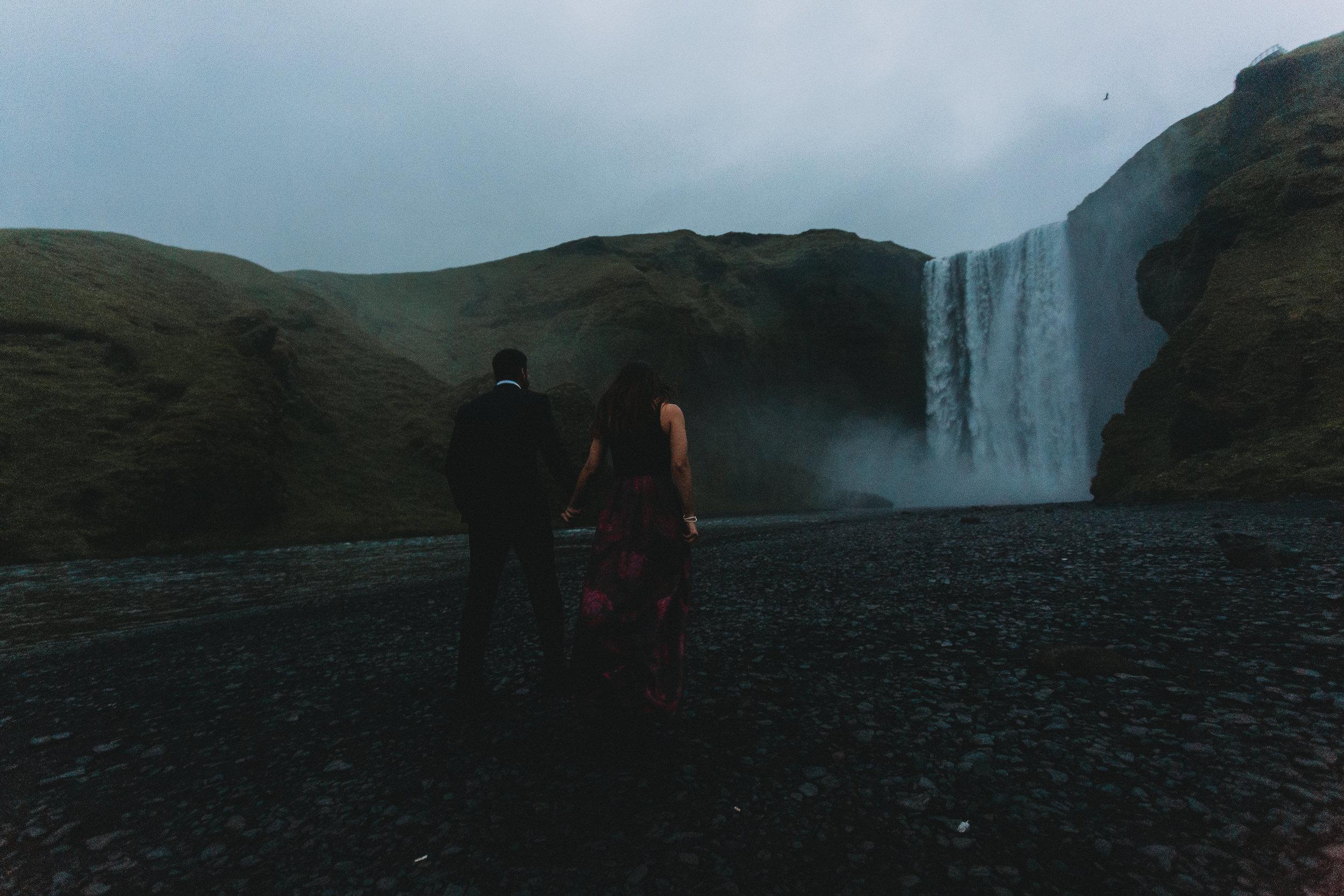 Iceland elopement photographer   Iceland south coast engagement photos   Iceland Skogafoss wedding pictures
