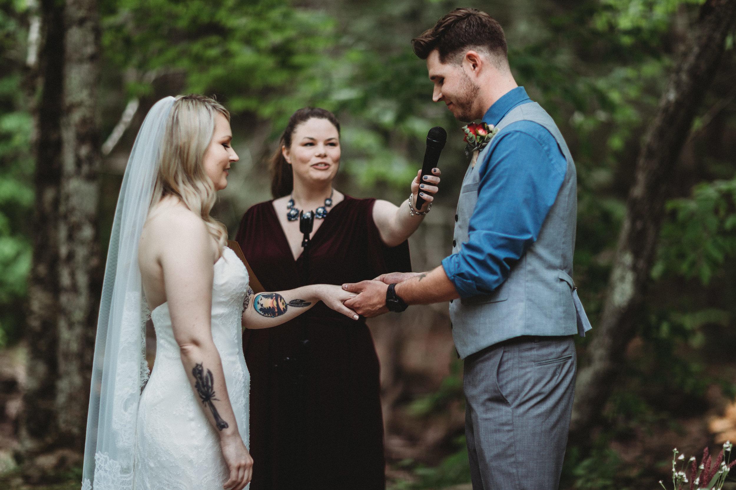 catskills wedding photographer- full moon resort