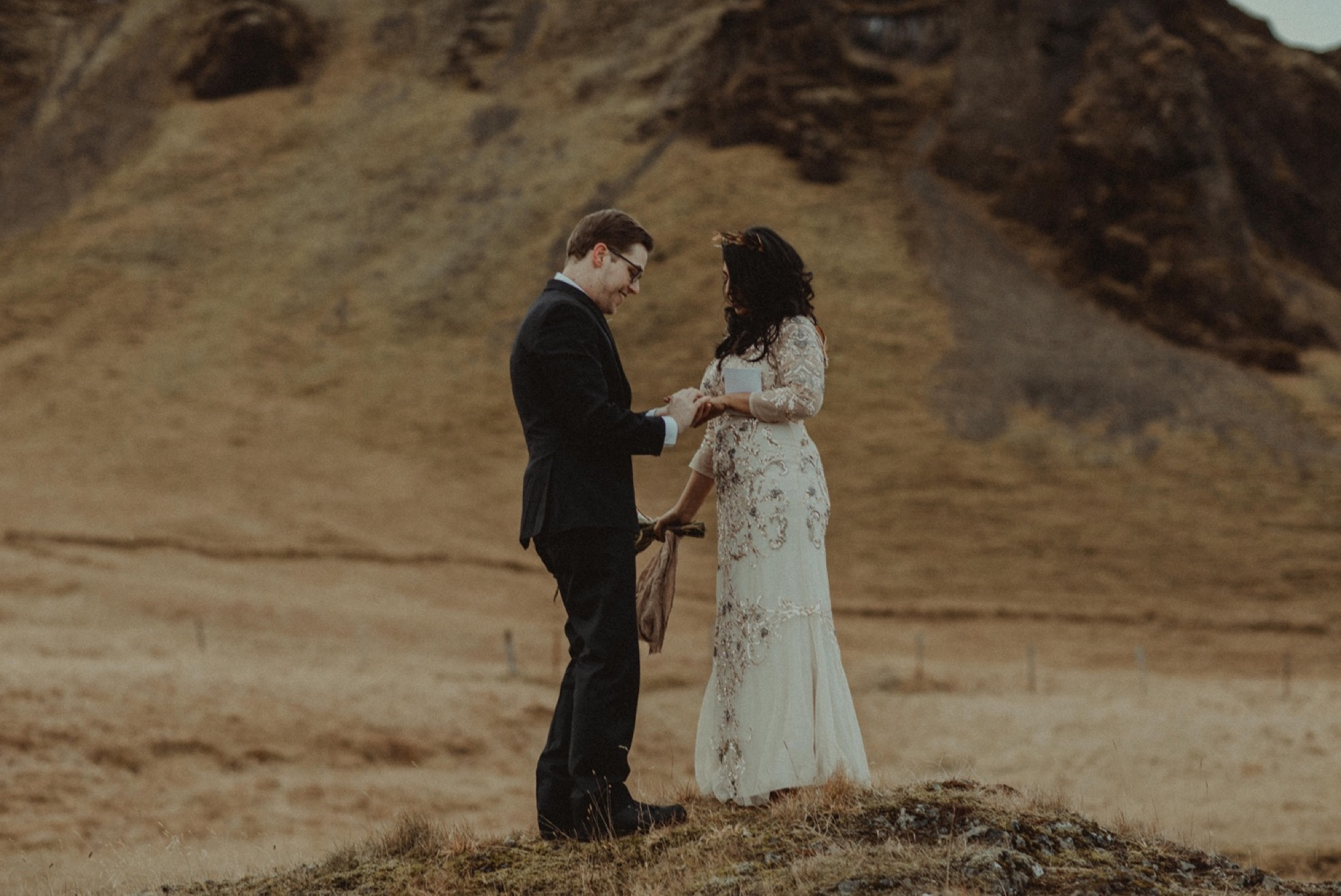 iceland elopement ring exchange