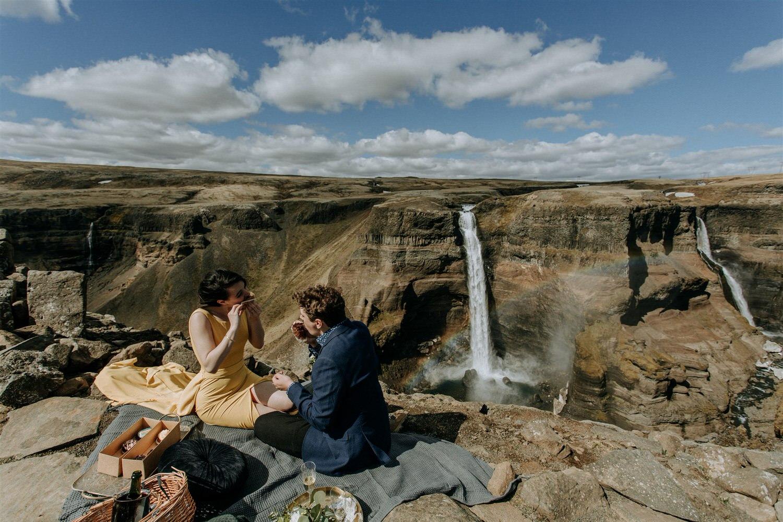 Iceland elopement picnic pink iceland zakas photo