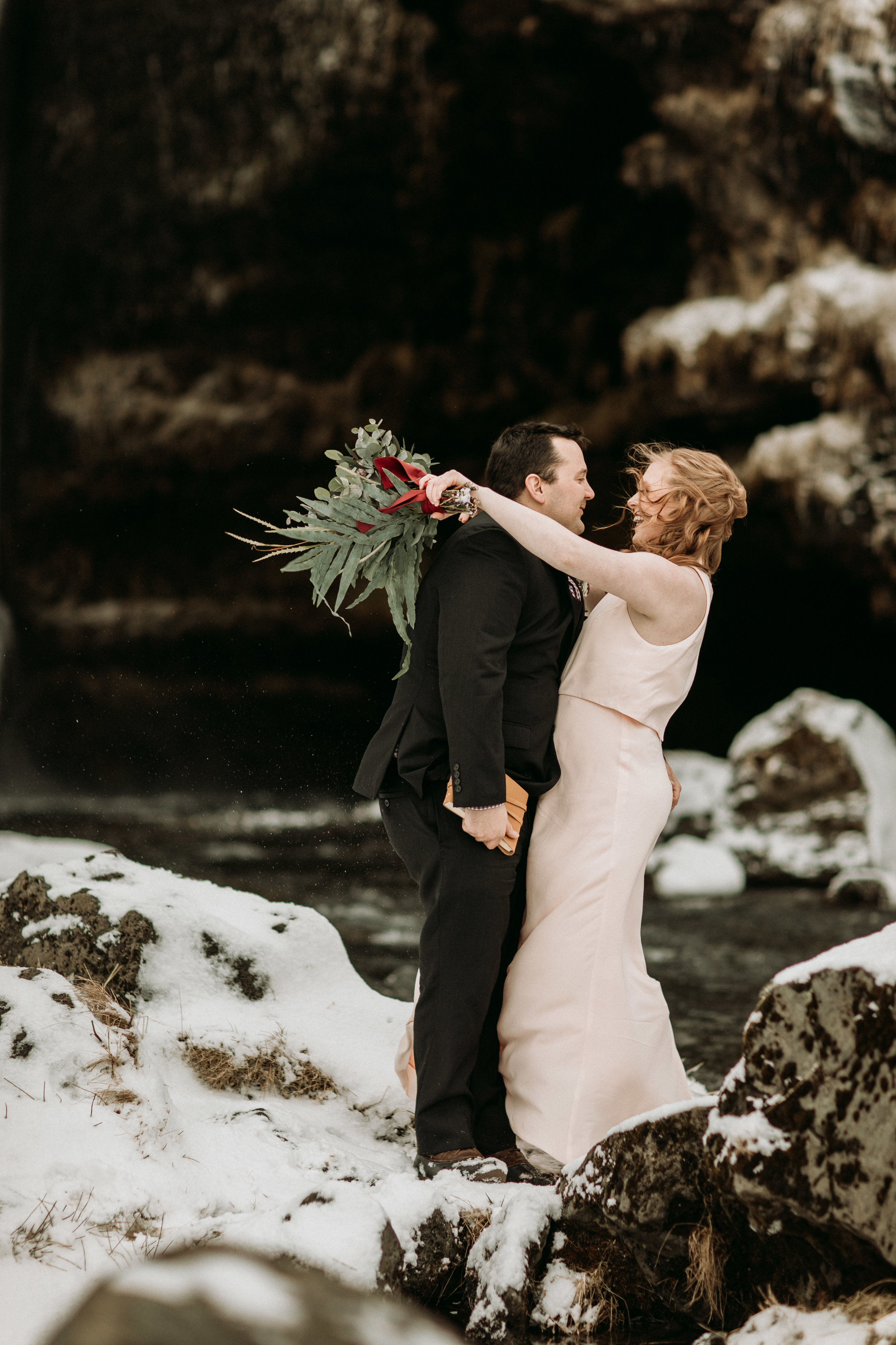 Iceland elopement in snow