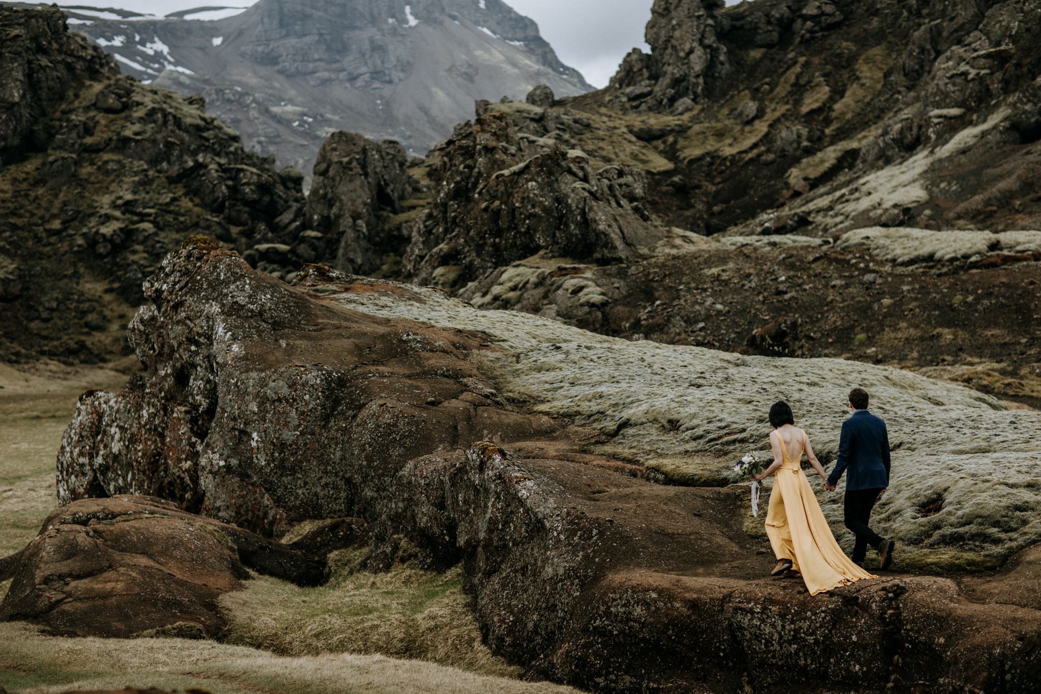 iceland elopement canyon and moss