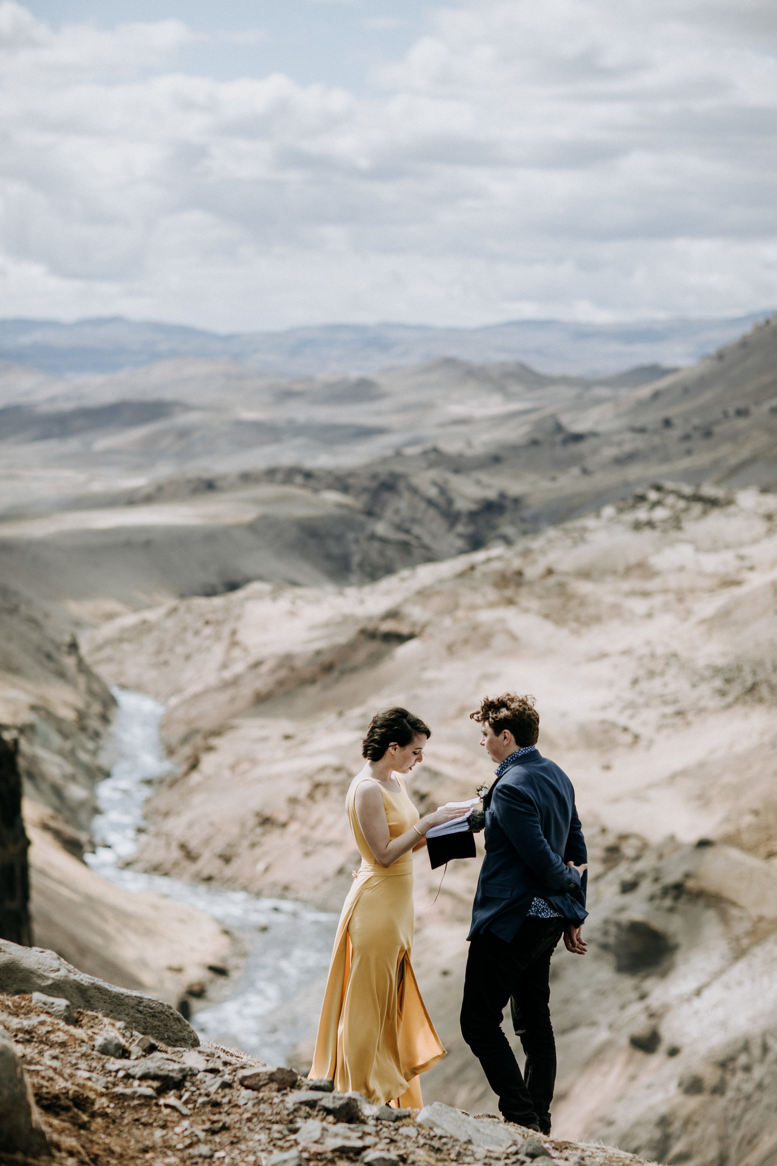 iceland elopement at canyon