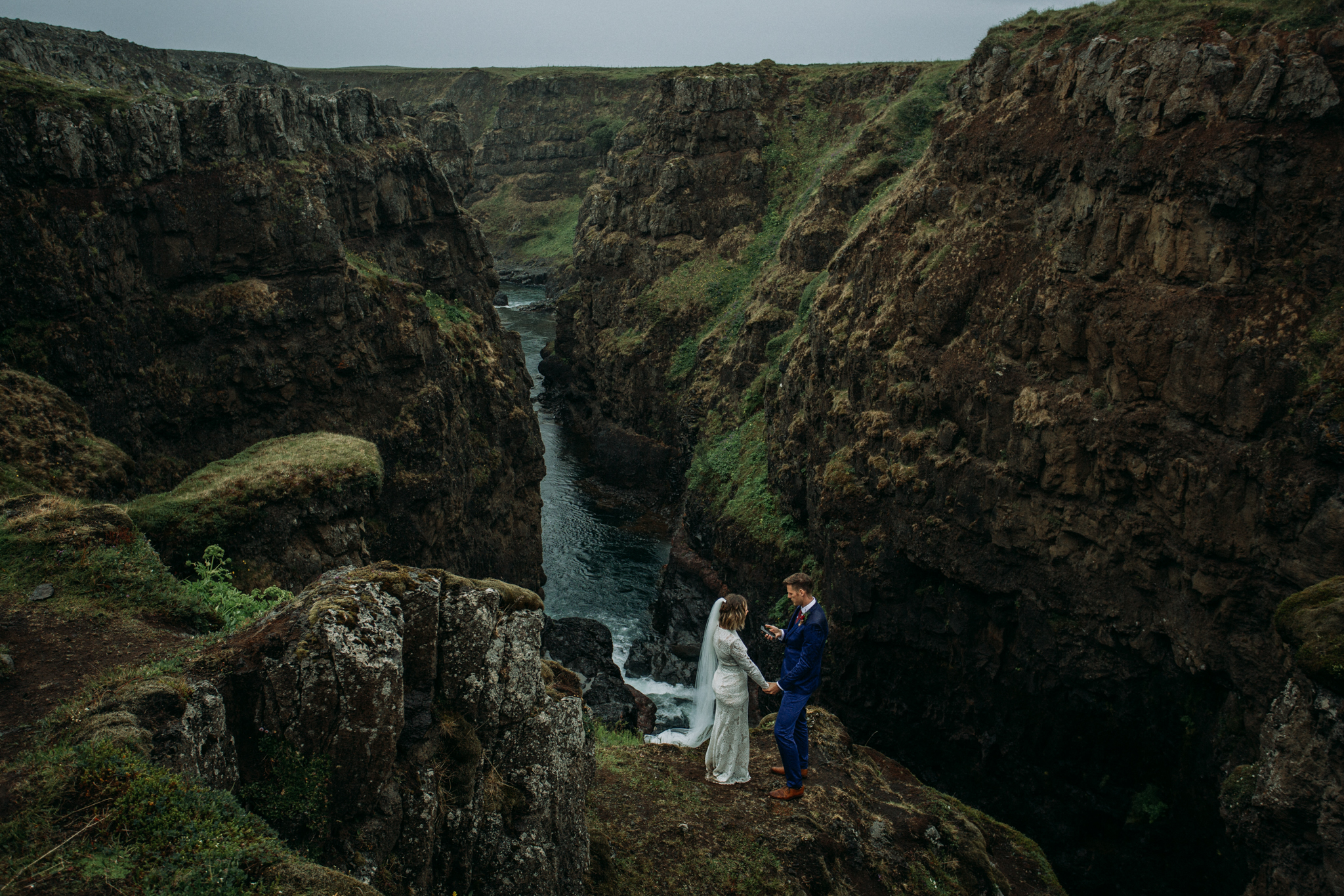 iceland elopement in secret canyon | best places to elope
