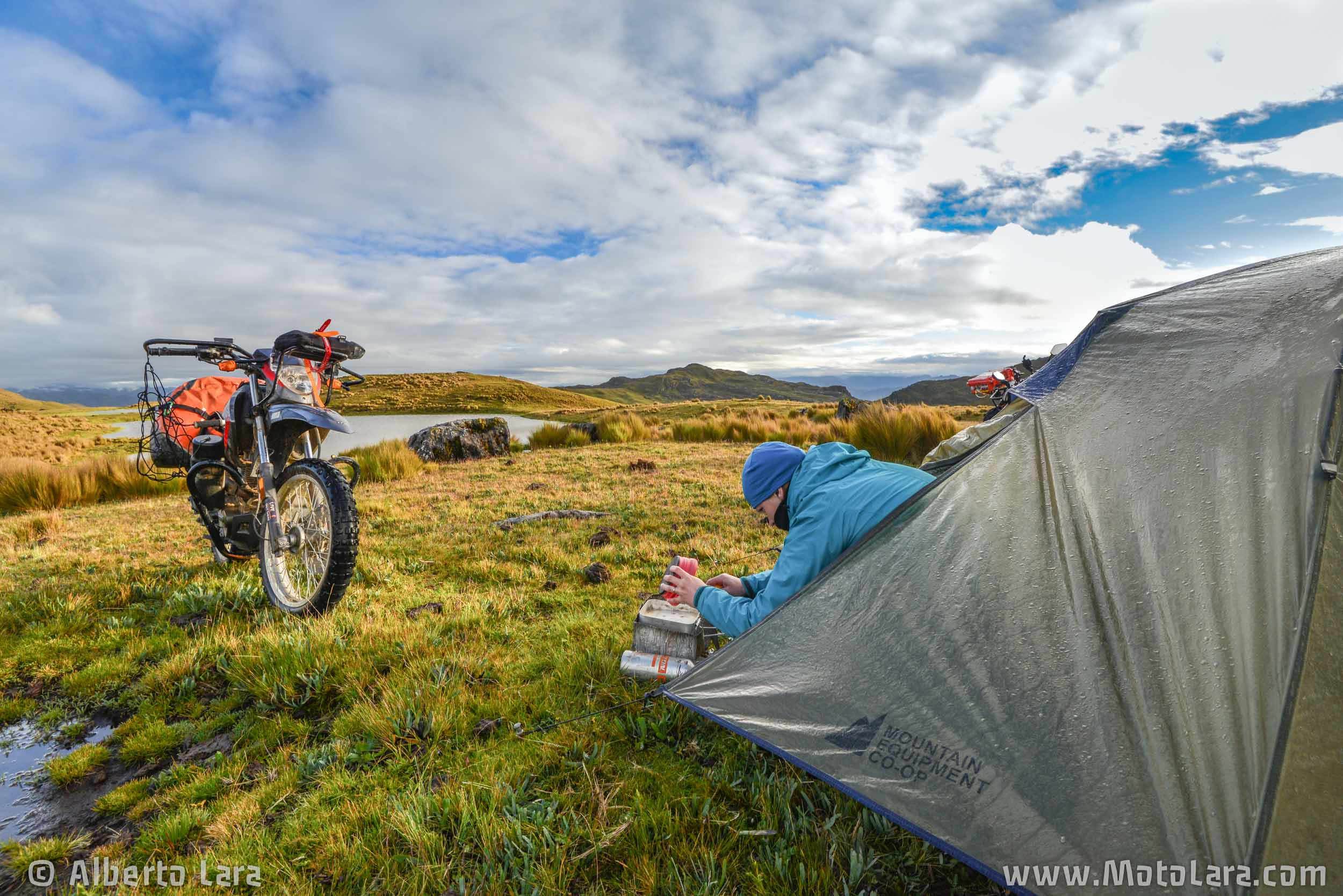 Camping @ 4,200m near Quiches in Ancash.jpg