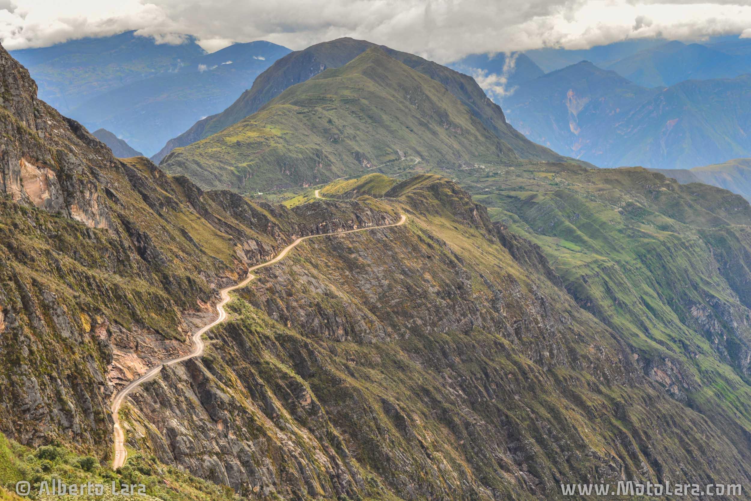 Road near Bolivar, La Libertad.jpg
