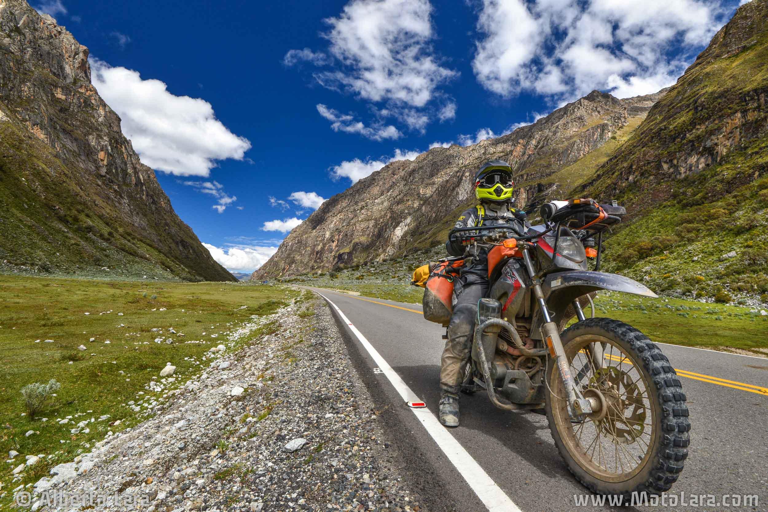 Road to Punta Olimpica from Yungay, Huascaran National Park.jpg