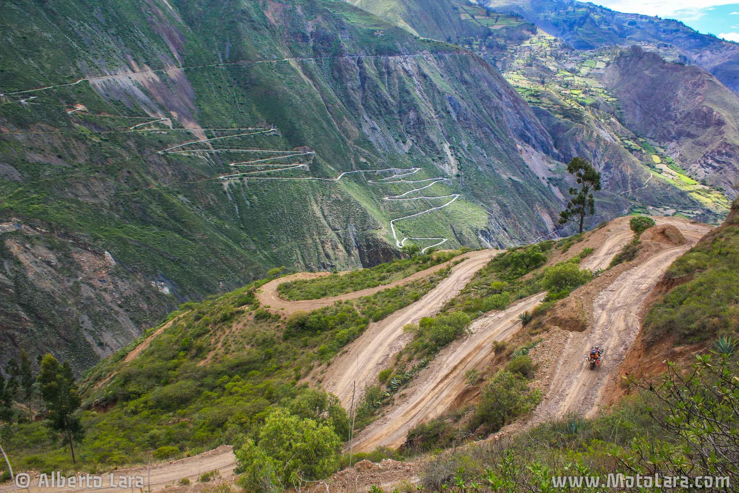 Switchbacks from Mollepata to Pallasca, La Libertad.jpg