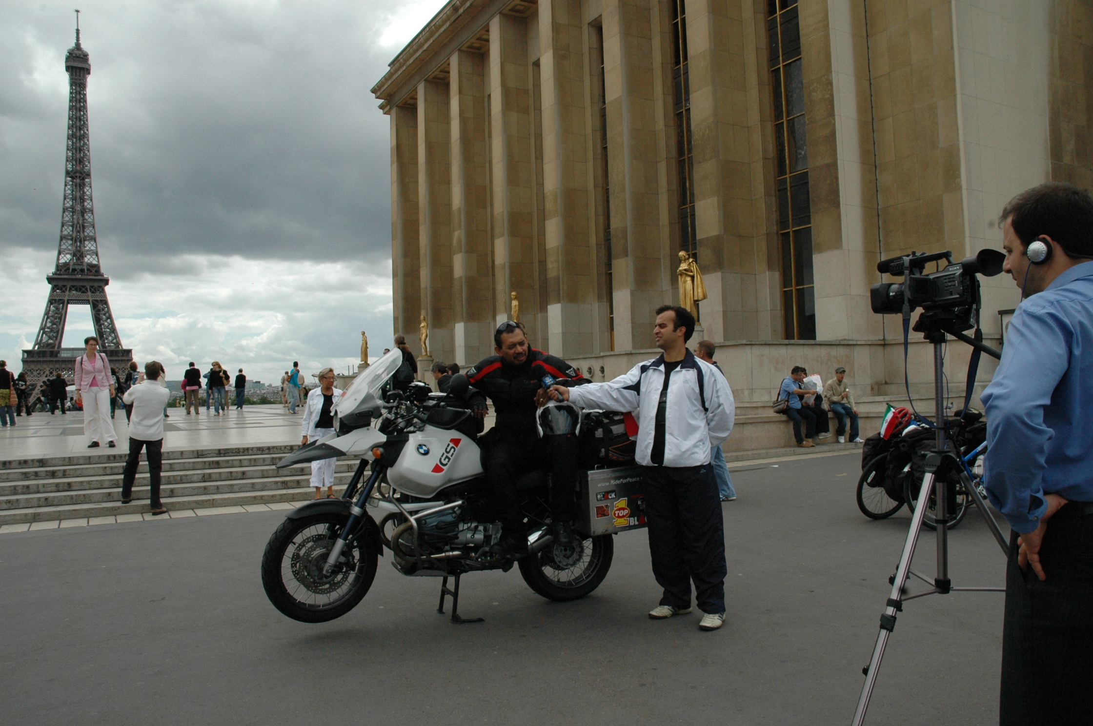 RideFor Peace - 030 France_France TV.JPG