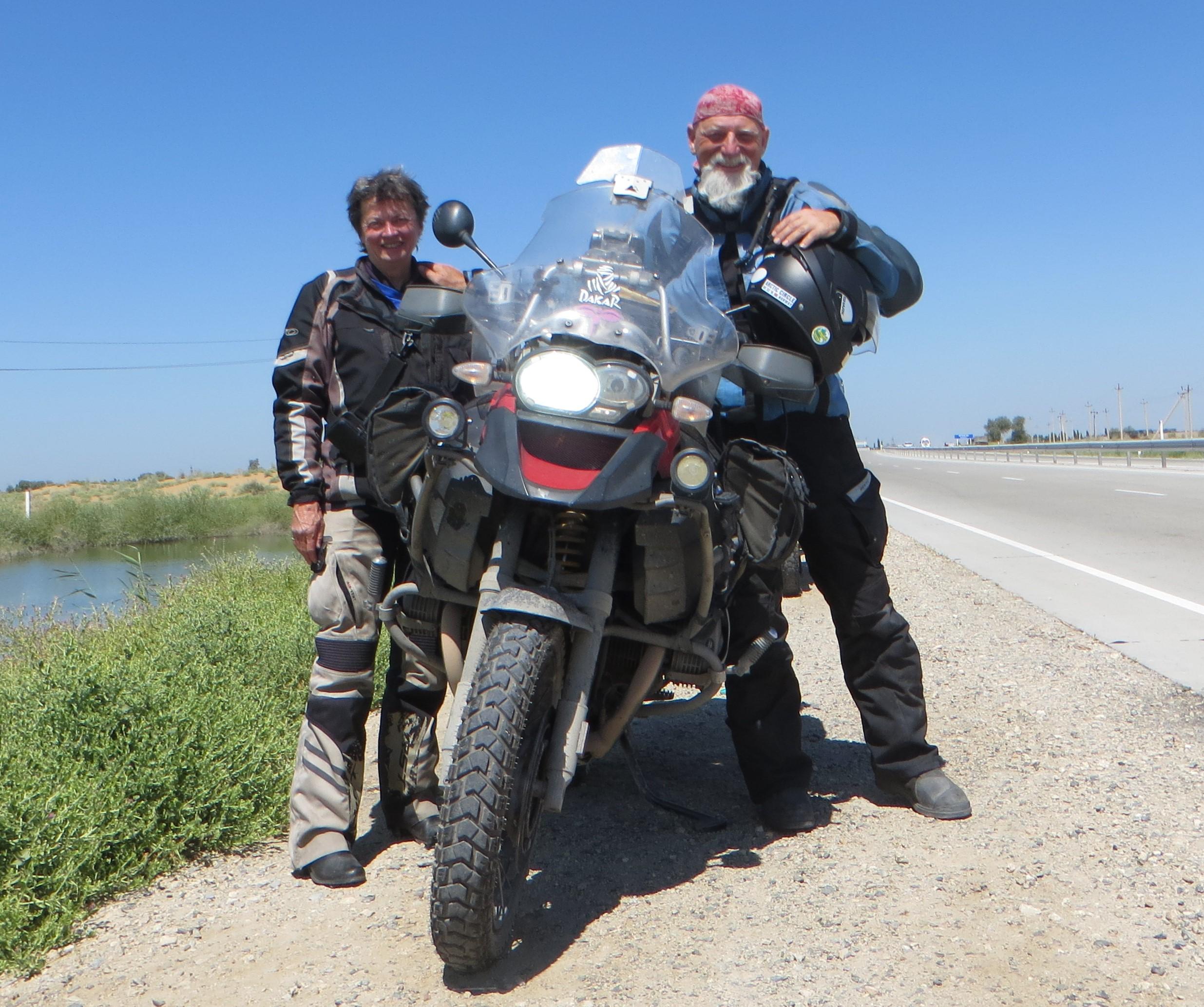 Shirley Hardy-Rix & Brian Rix | Aussies Overland | Uzbekistan - 200,000 between Khiva and Bukhara