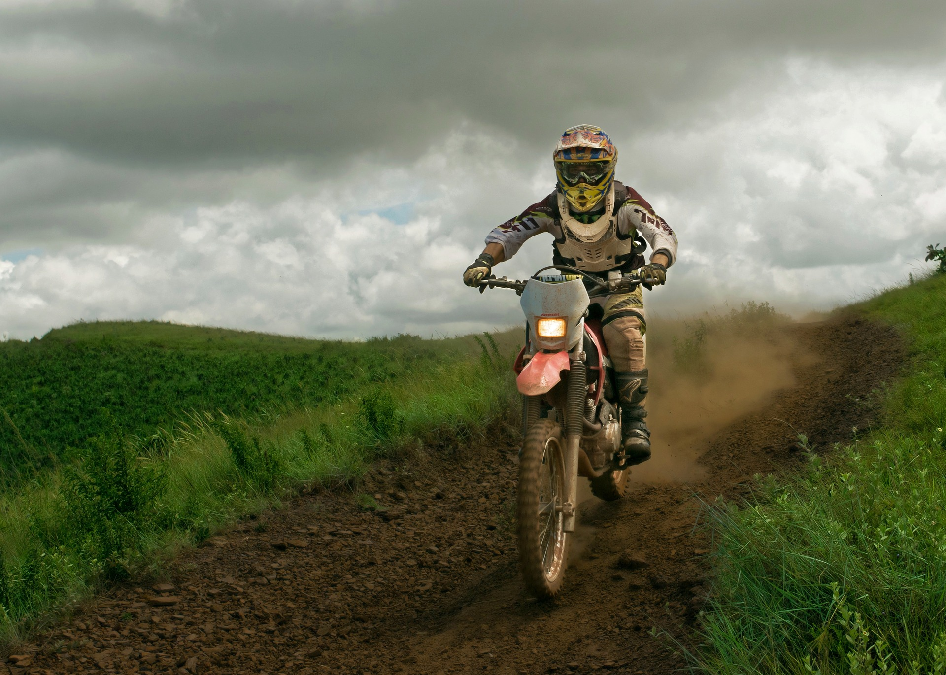 Adventure_Rider_Radio_Motorcycle_Dirt_Downhill.jpg