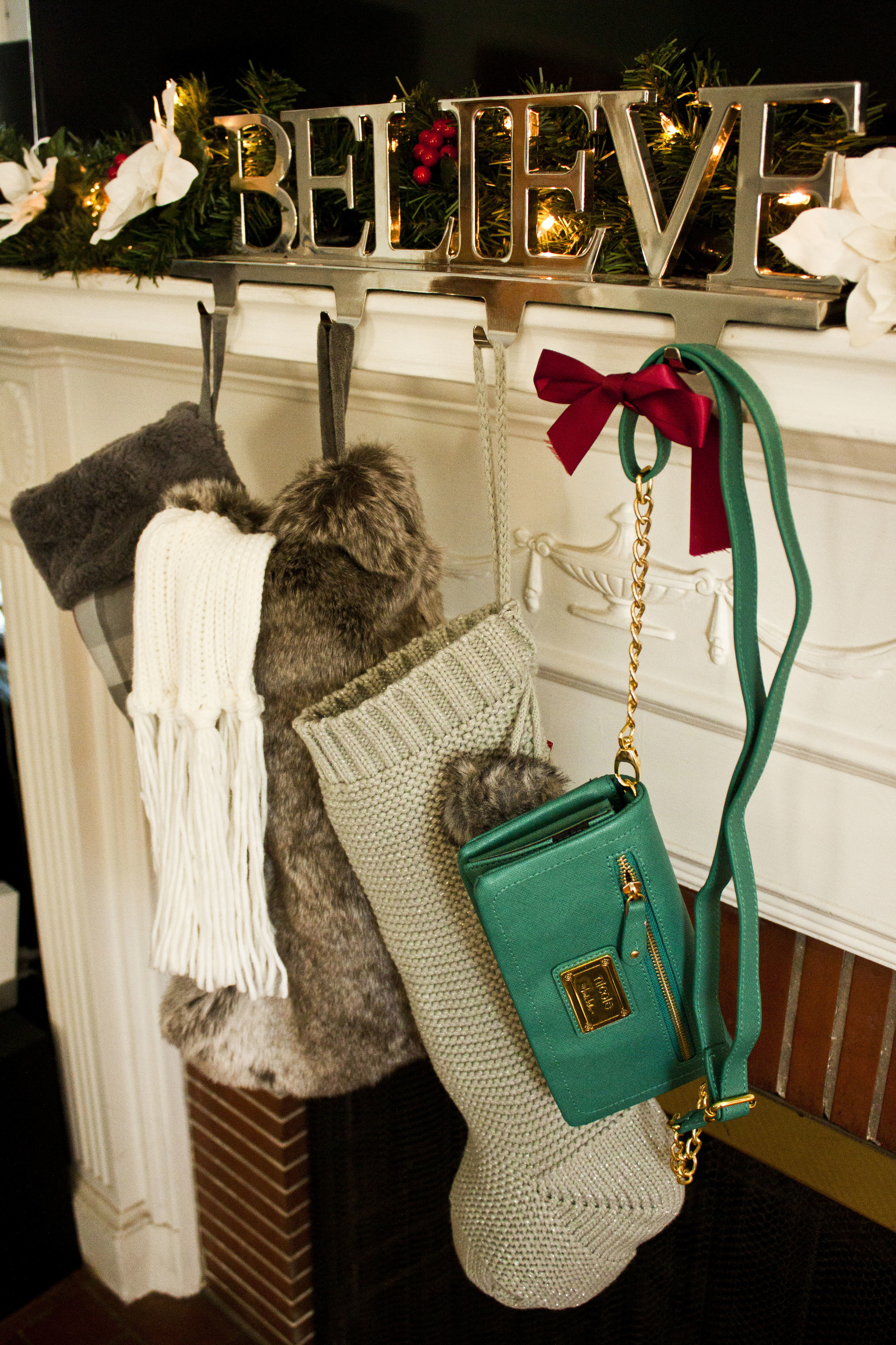 Great stocking stuffer ideas for her: the Mixit shaker scarf and Nicole Miller wallets