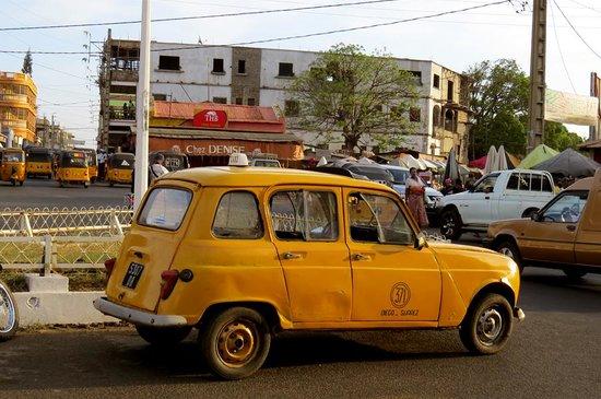 Renault 4L 2.jpg