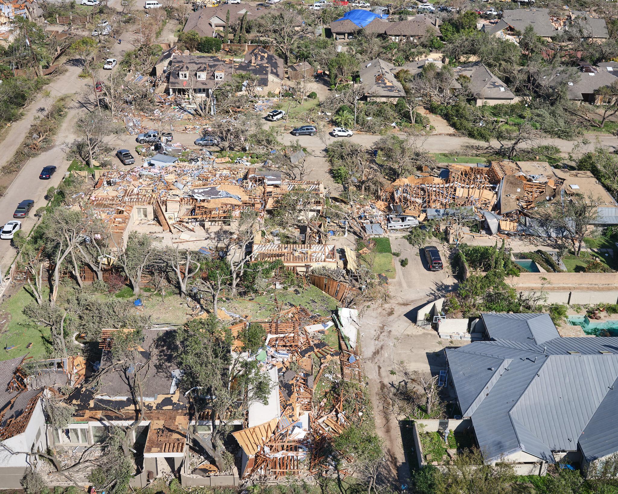 dallas-tornado-damage-by-andy-luten-3.jpg