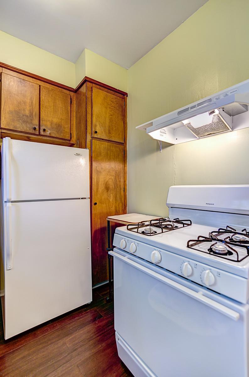 Apt 2 Kitchen 1.jpg