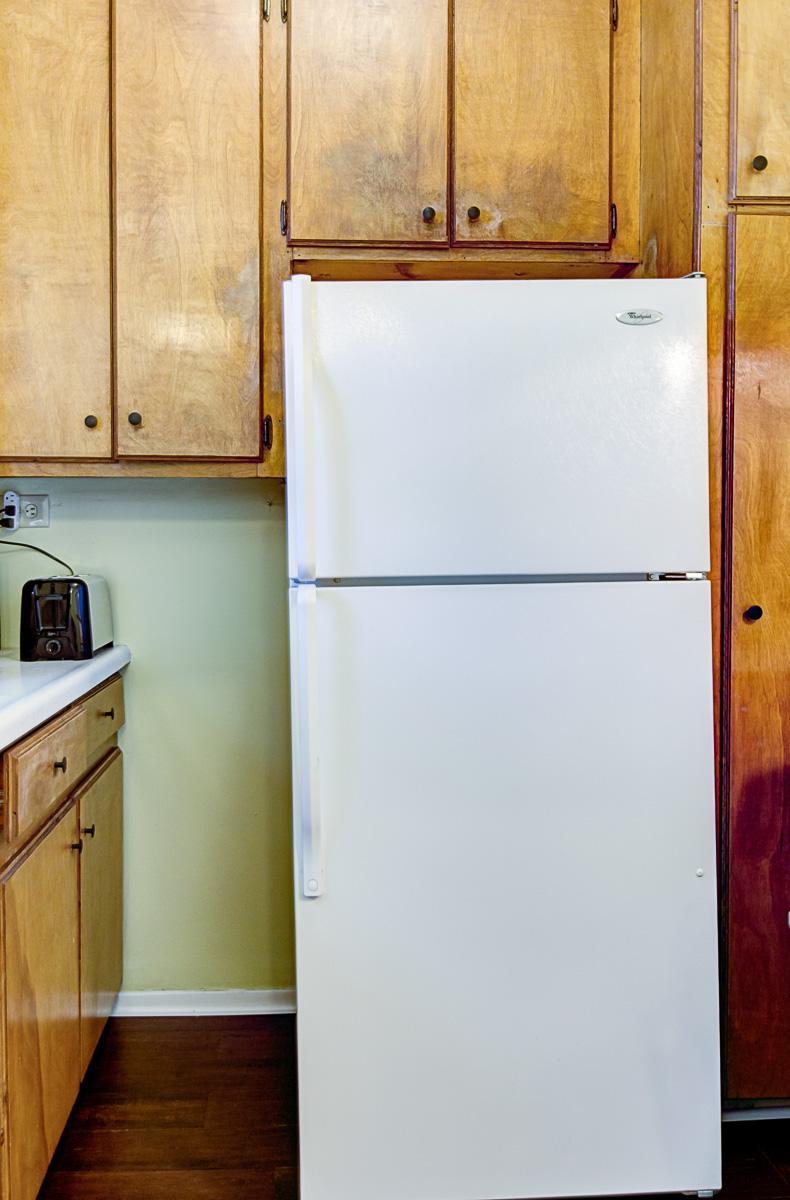 Apt 2 Kitchen 3.jpg