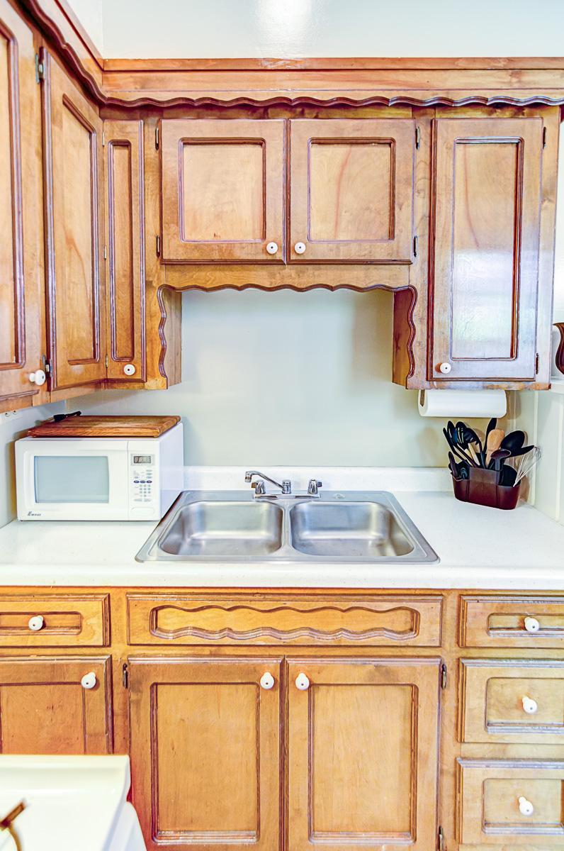 Apt 10 Kitchen 2.jpg