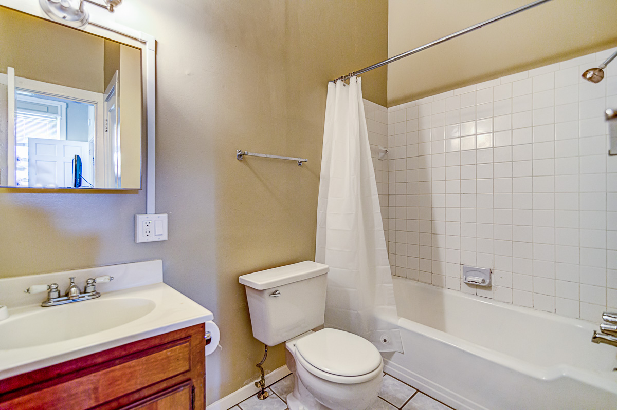 Apt 10 Bathroom Overview.jpg