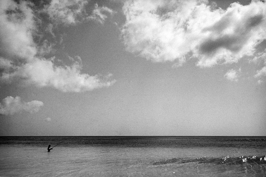 12_marco_guerra_tulum_yasmina_fishing.jpg
