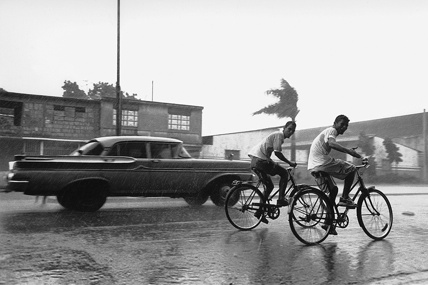 marco_guerra_cuba_bergdorf_goodman_bikes-in_the_rain_9.jpg