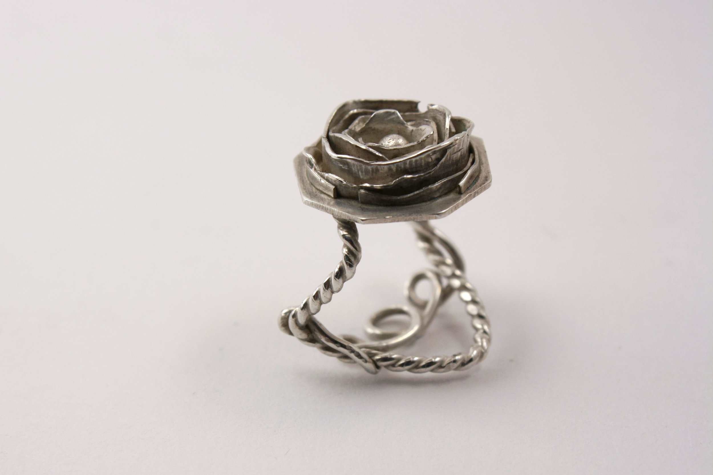 ROSE RING_SIZE6_4.jpg