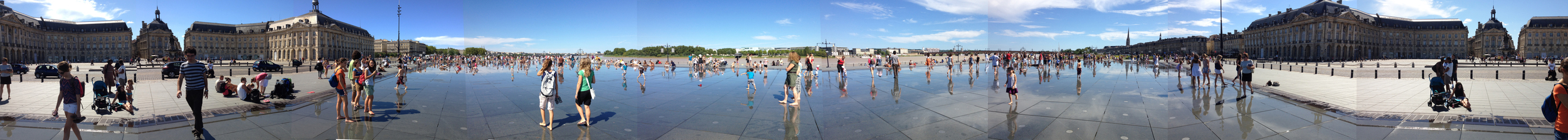 Le Miroir d'eau,   Place de la Bourse ,  in Bordeaux, France 2012 - Photo by JBM