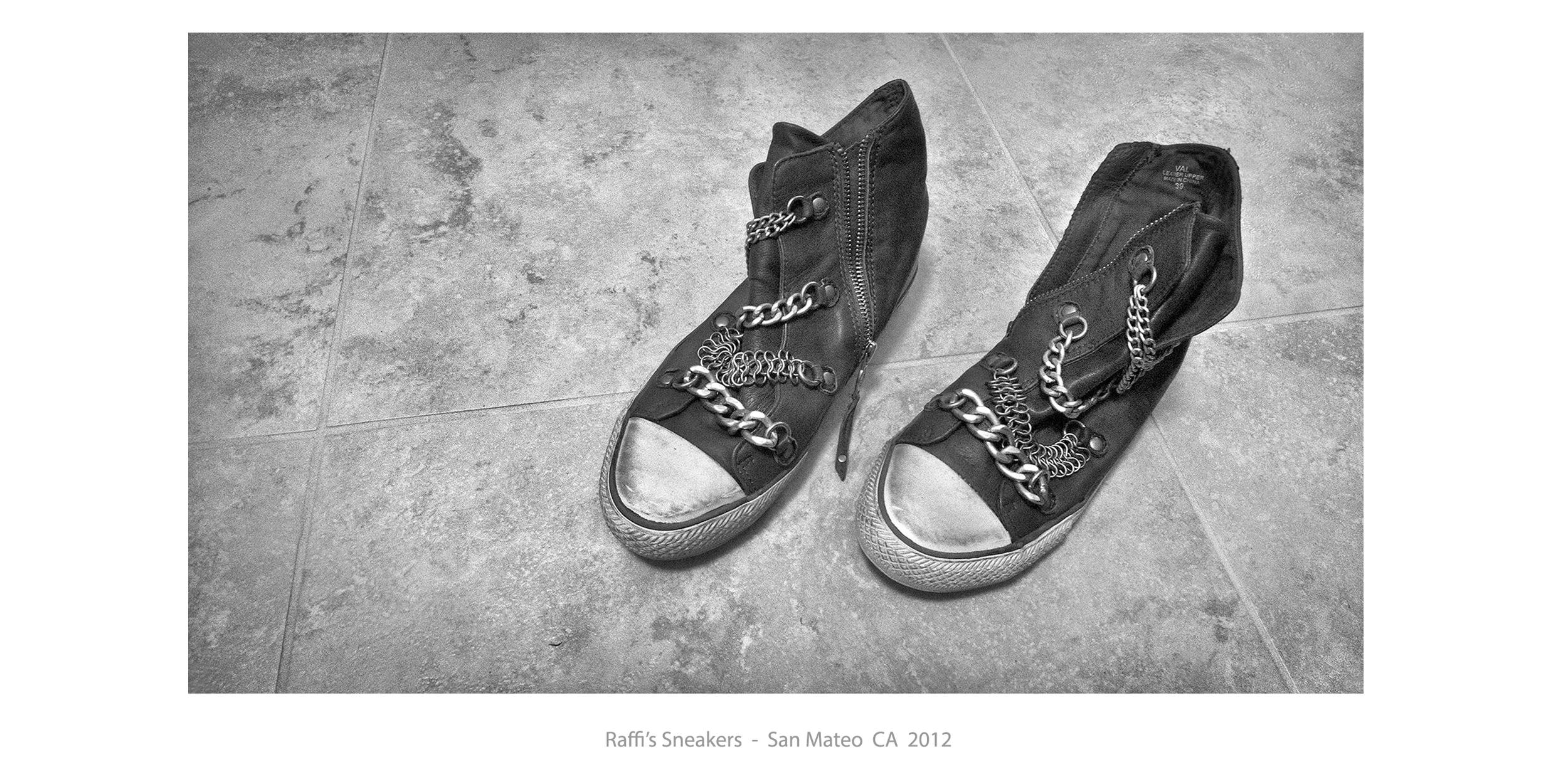 Raffis_sneakers.JPG