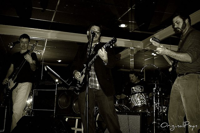 The Wells in 2010 w/Mark Sims on guitar