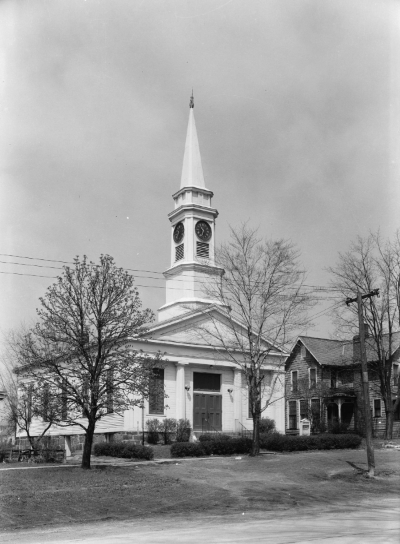 The First Congregational Church in Twinsburg, Ohio, circa 1936. Credit: Library of Congress.