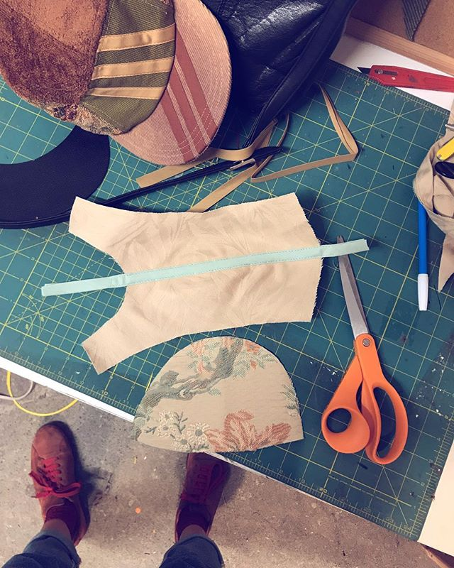 Bias tape, baby. . . . . .  #paulaluciastudio #artistsoninstagram #handmade #5panel #upholstery #recycledfabric #memade #repurpose #textilepattern #hat #handmadehat #ilovesewing #fashiondesign #sewing #bayareaartist #sfartist #biastape