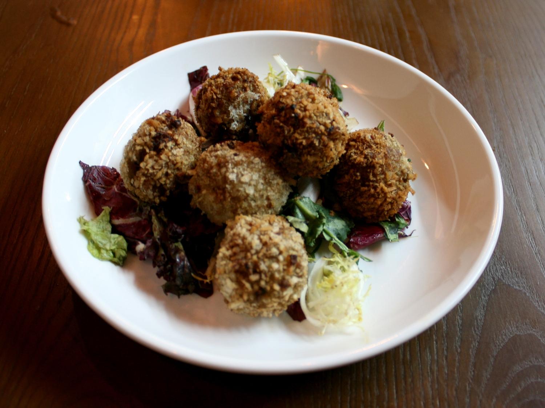 Arancini balls with truffle