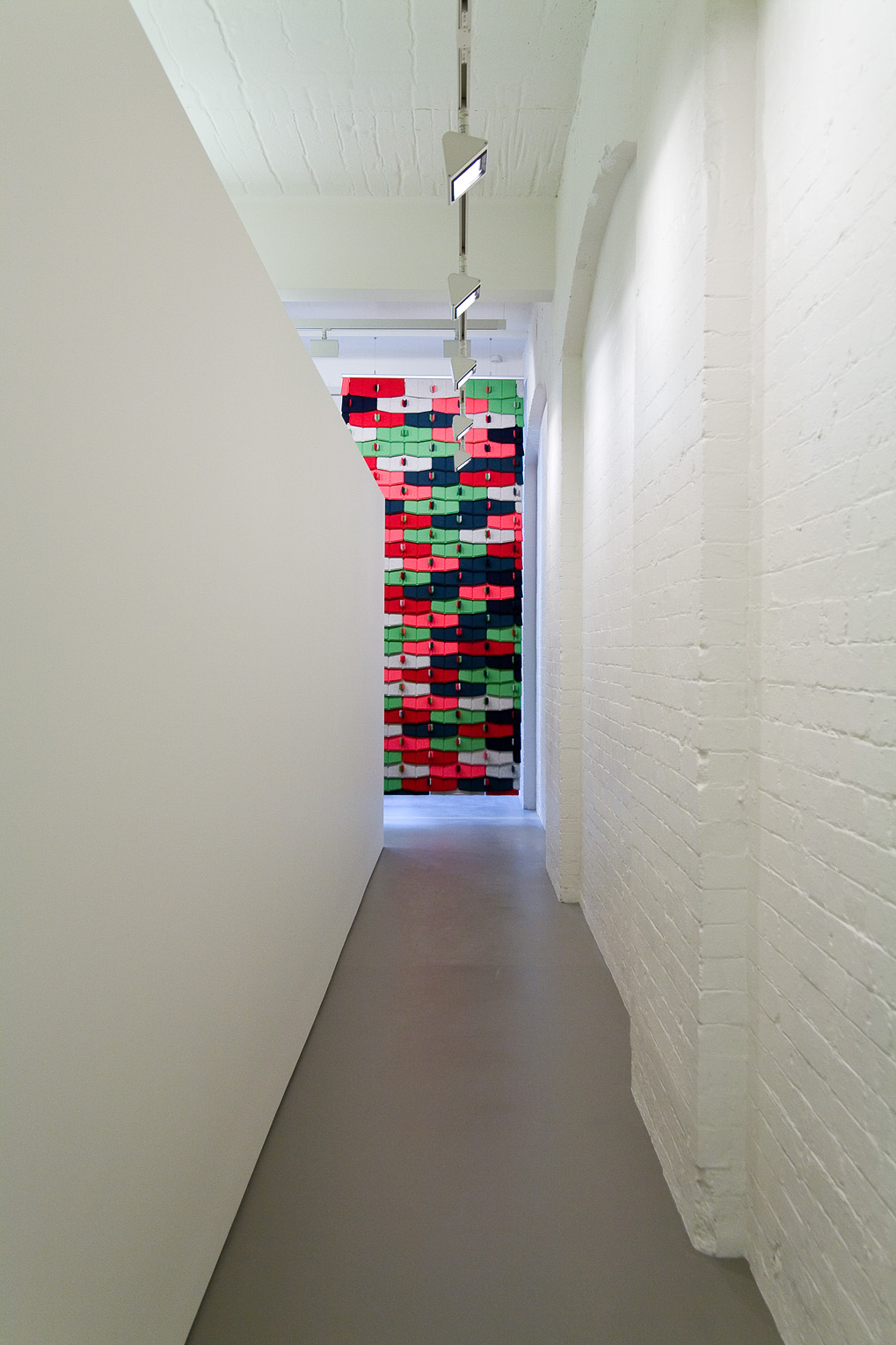 08 Corridor wall
