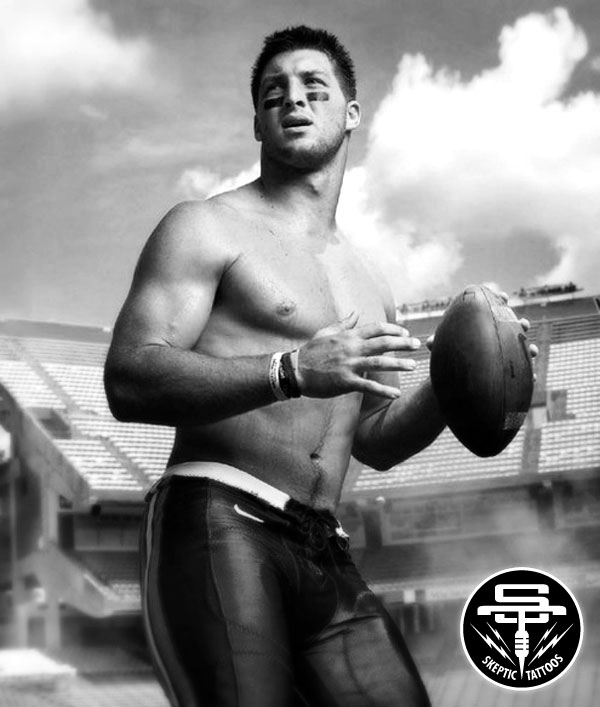 Tim Tebow shirtless from a shoot for  GQ Magazine . Photo by Mark Seliger.