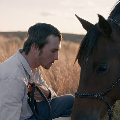 I've clearly been living under a rock for the past couple of years. The Rider by Chloe Zhao, about a horse trainer who suffers a serious injury, is gorgeously shot and made me cry buckets 🐎🐎😭😭 . . . #therider #chloezhao #lakota #southdakota #cowboys #rodeo #sundance #film #sioux #indiefilm