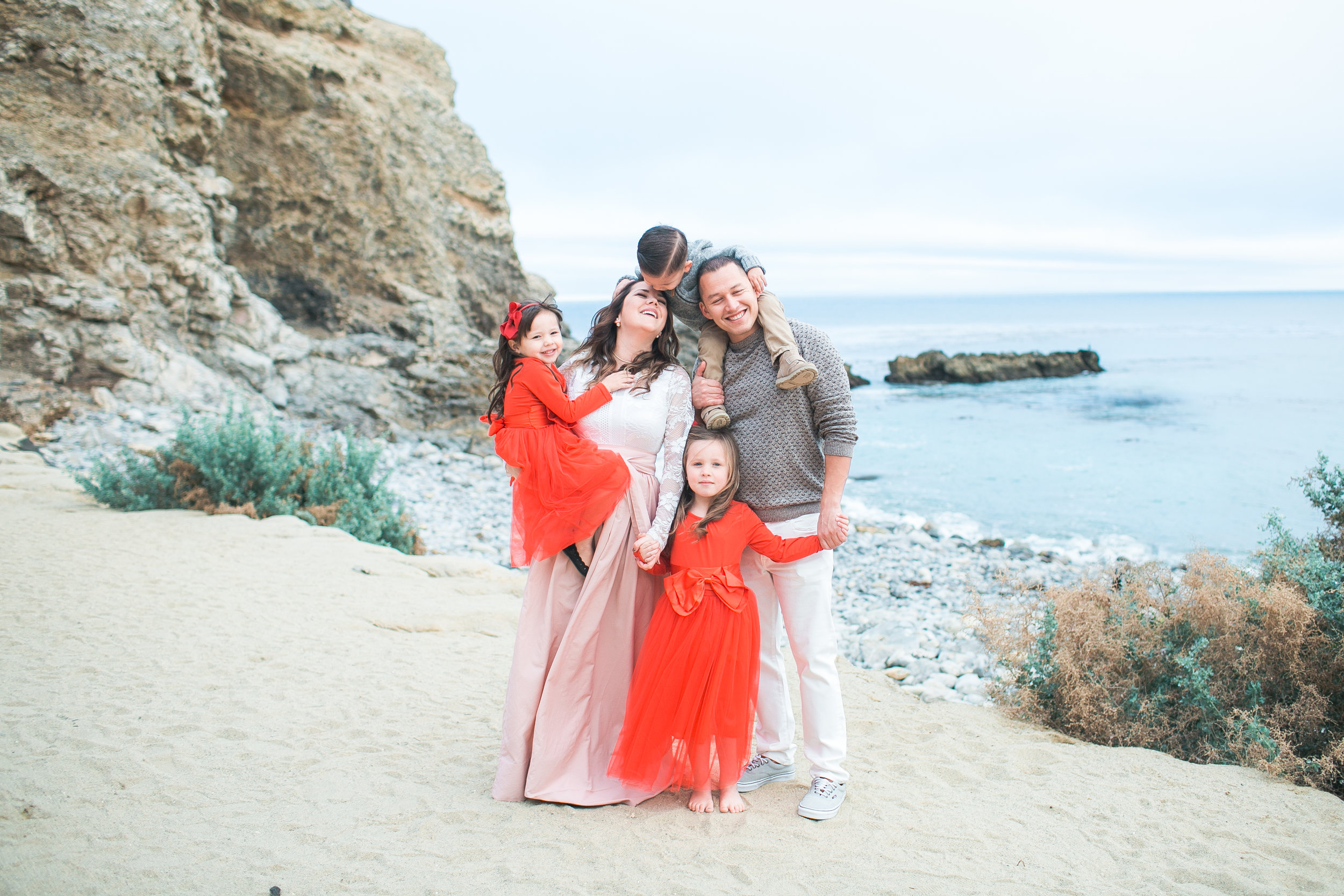 The Espinoza family :) Their outfits, the location, their love--everything so perfect!