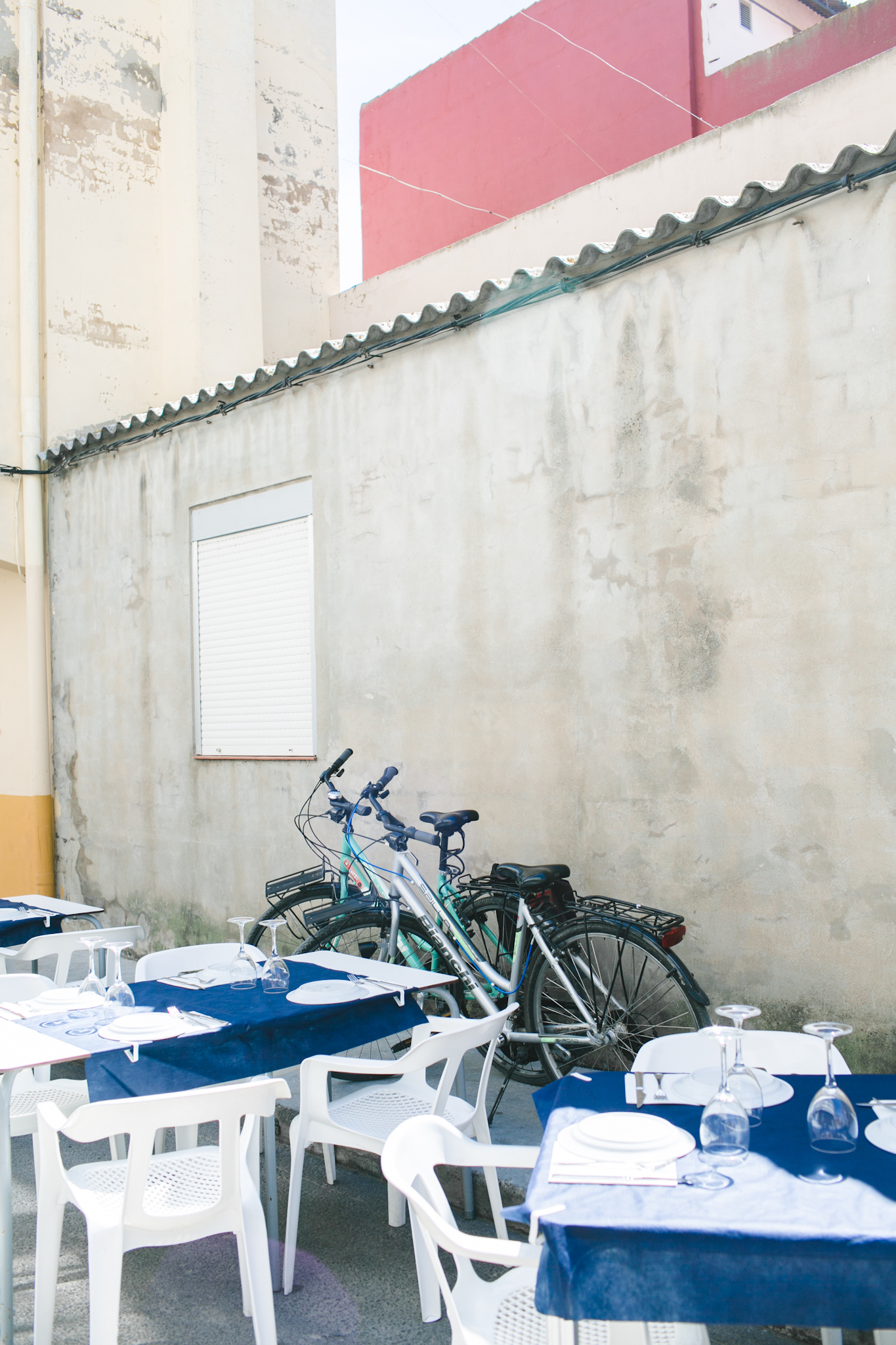 We biked to La Palmar, a small village on the other side of the lagoon. We parked our bikes to dine at a restaurant called Bon Aire.