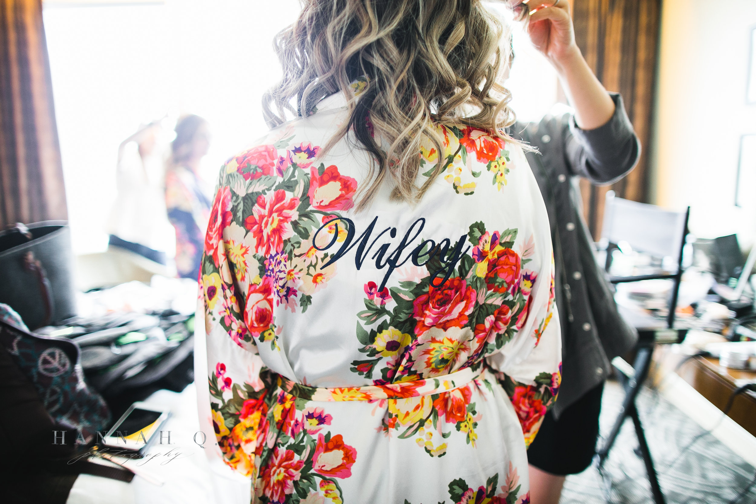 Love their floral robes <3