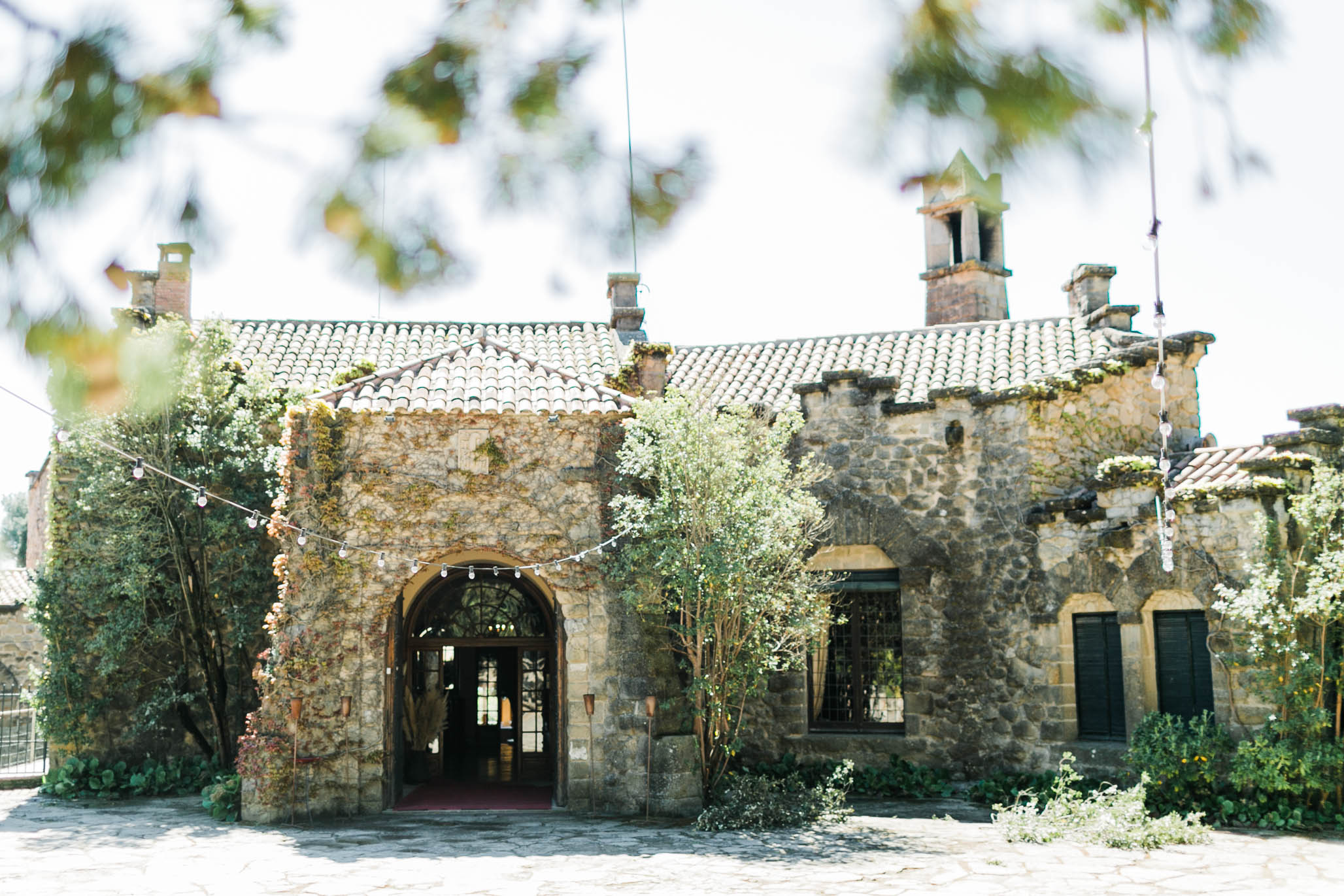 The weather was playing tricks on us this day. Sunny one moment, overcast the next. When we first arrived to capture the venue details, the sun was out high and bright but that didn't take away from the beauty of  La Baronia .