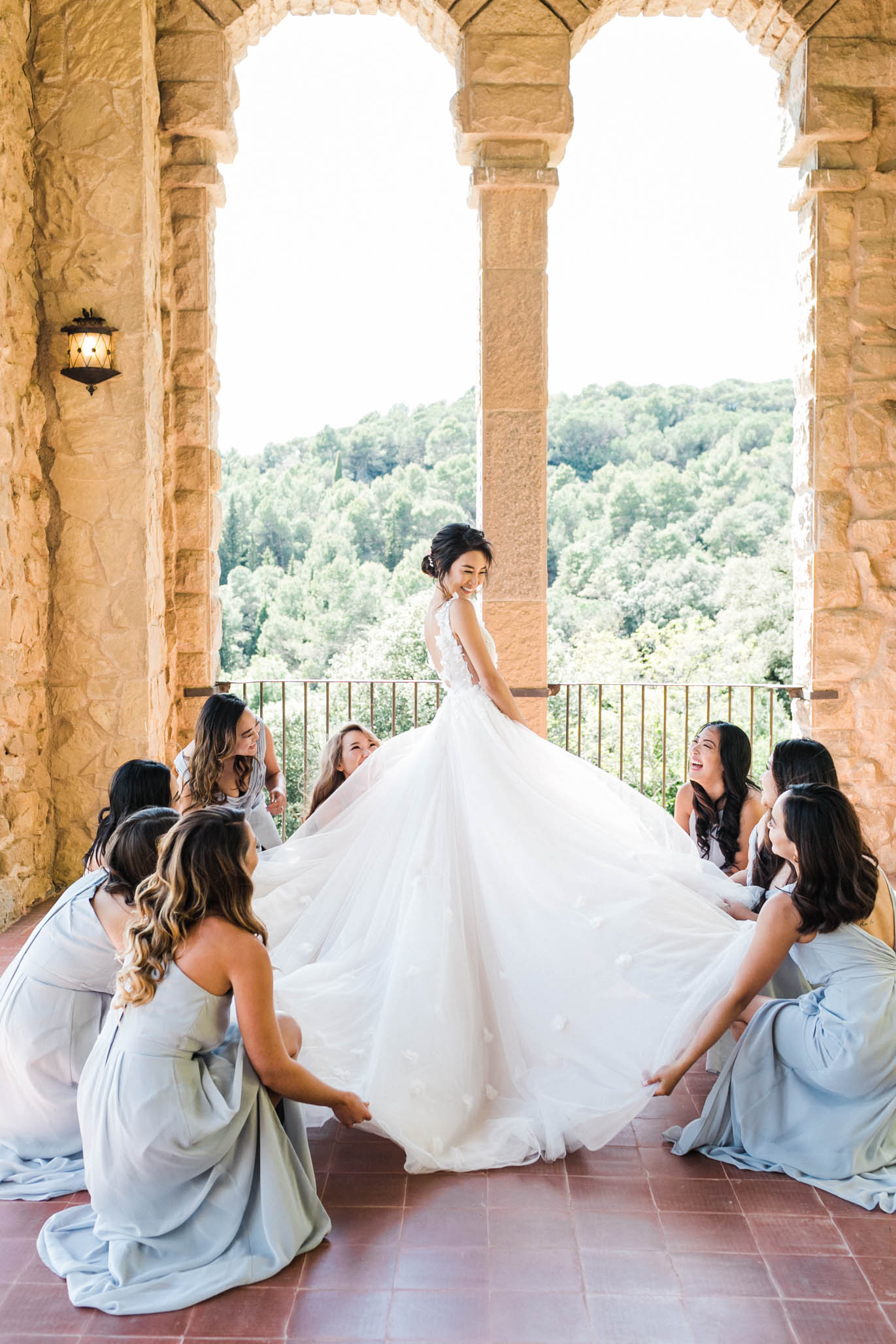 This is the inside of the iconic balcony/terrace I talked about earlier at La Baronia. How magical is every detail ? Every stone, every tile, ever scratch and mark tells its own story. And seeing Silvina in this dress with her best friends just really did it for me. I could not handle.