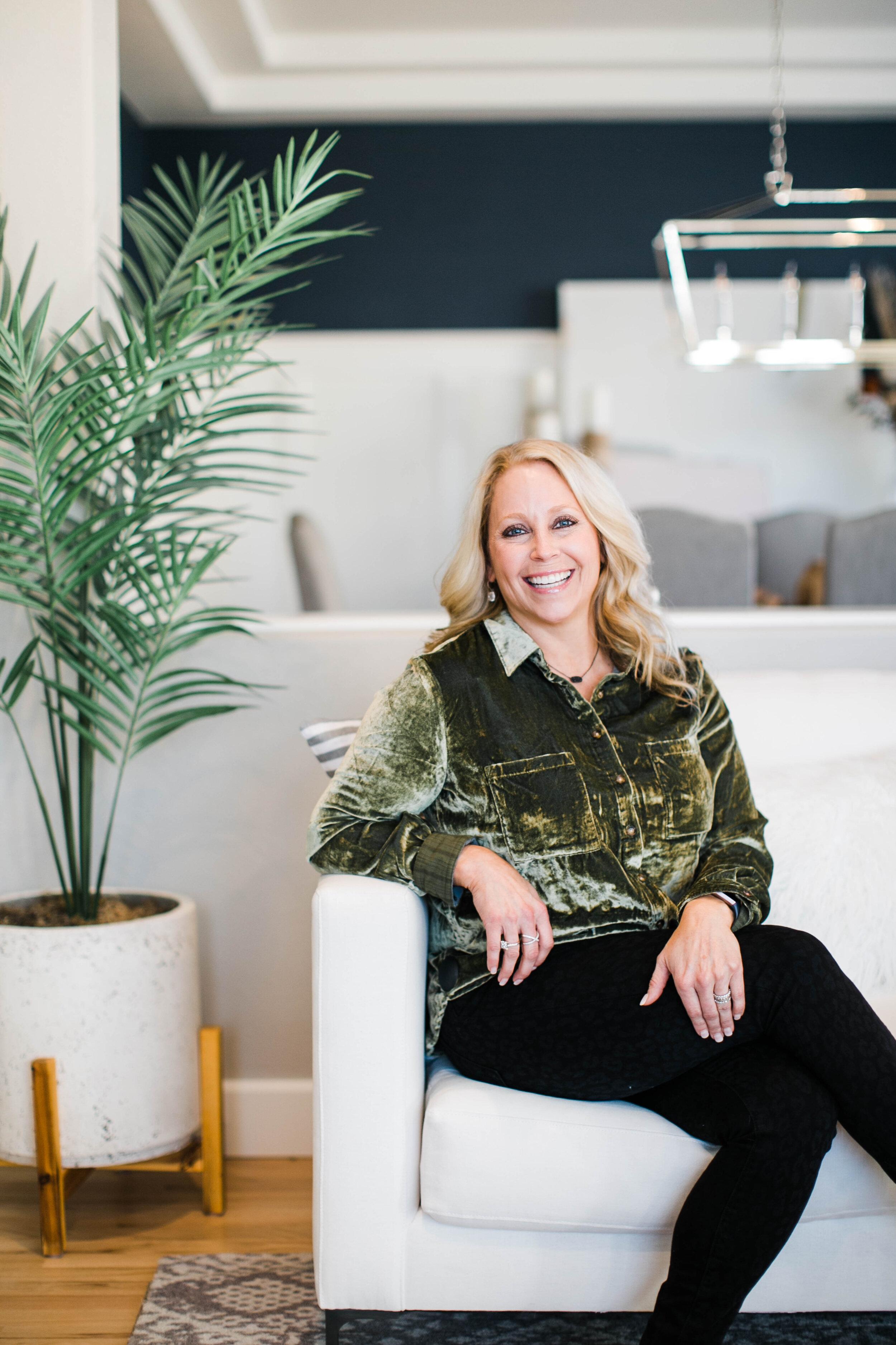 Holly: Interior Design, Entertainment and Decor blogger