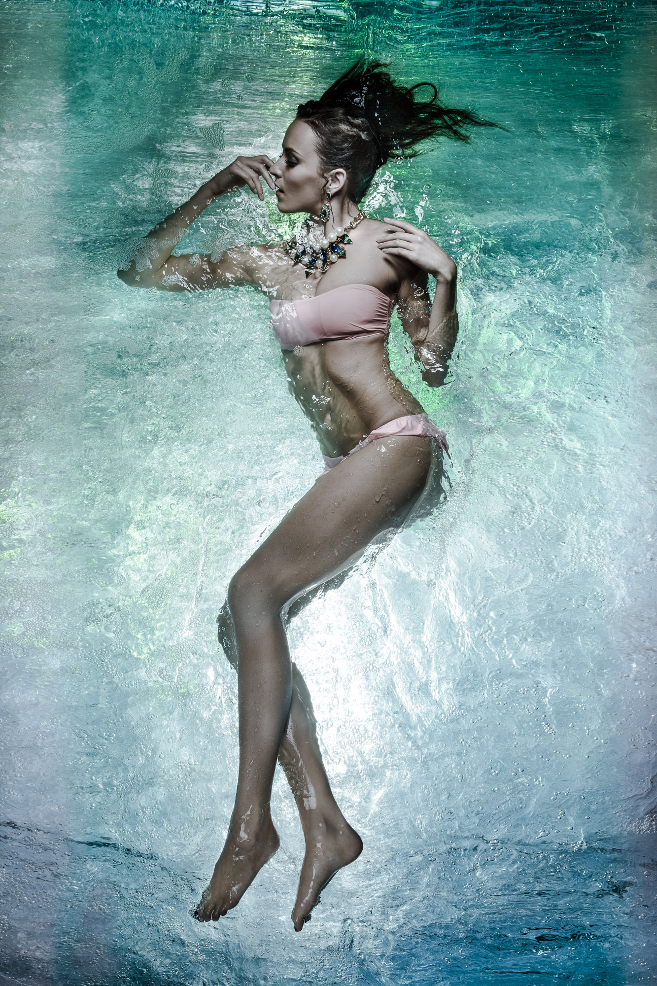 Underwater Fashion Photography by Cheng Han