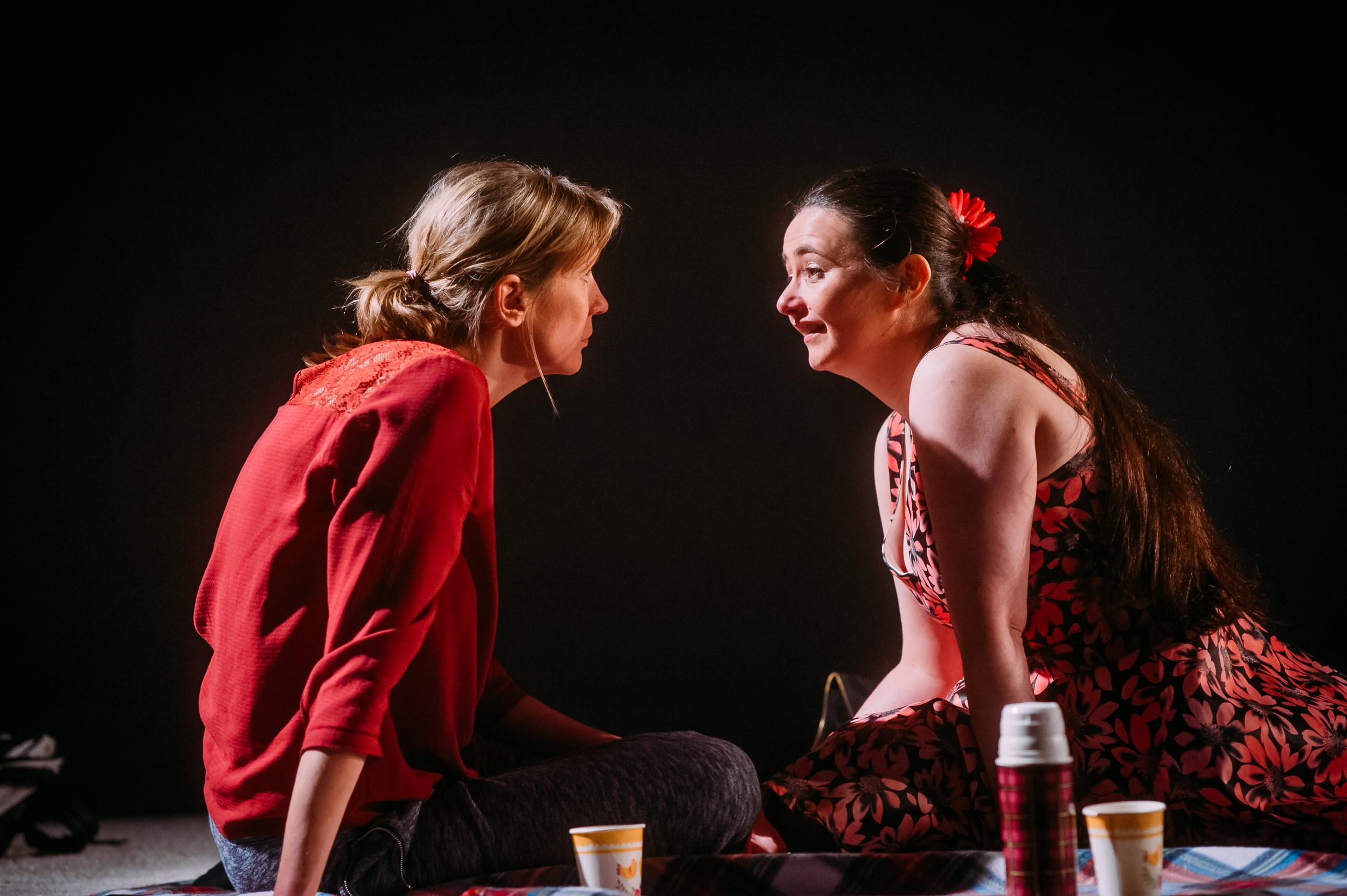 (L-R) Deborah Arnott (Shula) & Karen Bartke (Avril) Image by Mihaela Bodlovic_08.jpg