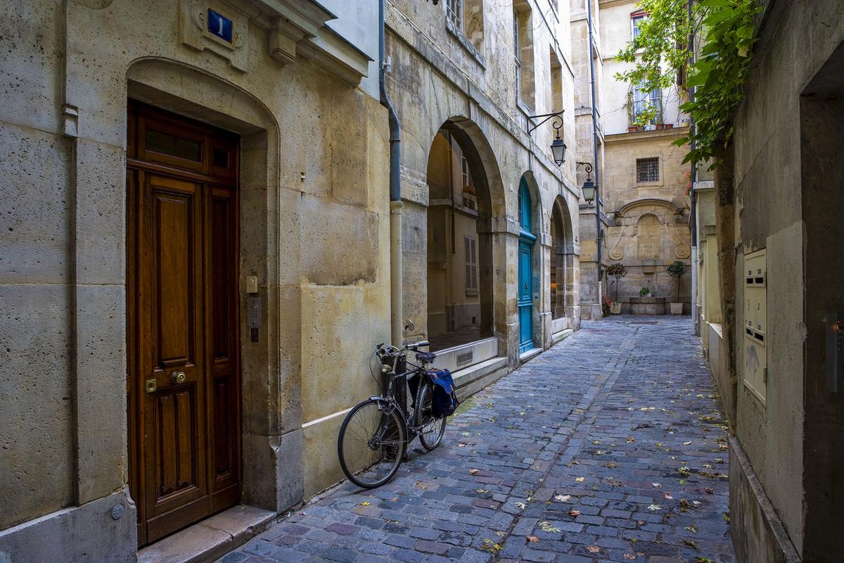rue eginhard.jpg