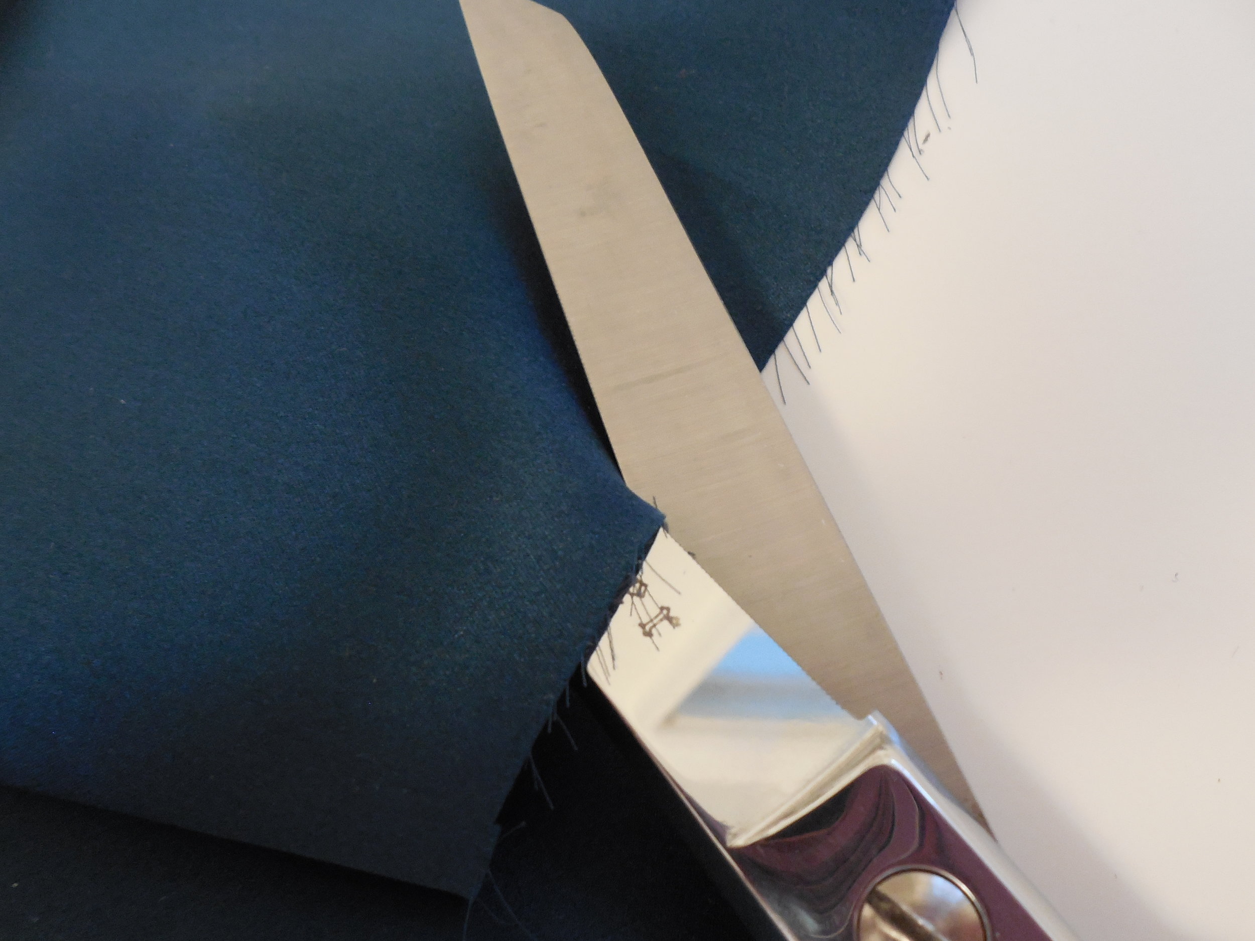 For silks and slippery fabrics - These microserrated Gingher shears grip fabric in the tiny teeth of their ultrasharp blades. The most slippery silk charmeuse respects their steely control. Nothing escapes.