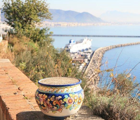 Vietri Ceramics, Traditional Colors and Motif