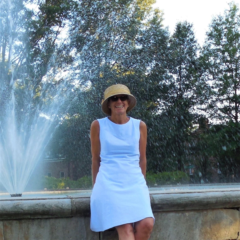 Anikka Becker. Dresses in Fine Linen and Cotton.jpg
