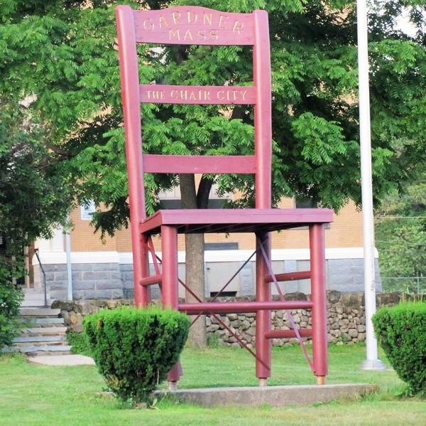 tracie. gardner. big chair (2).jpg